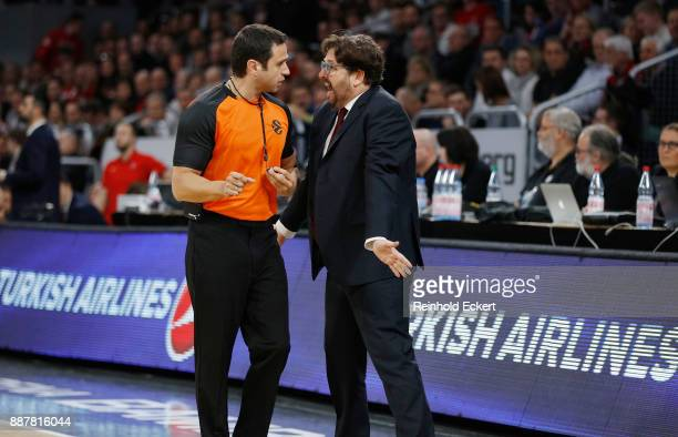 Andrea Trincheri Head Coach of Brose Bamberg in action during the 2017/2018 Turkish Airlines EuroLeague Regular Season Round 11 game between Brose...