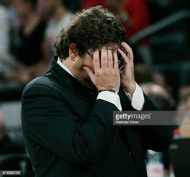 Andrea Trincheri Head Coach of Brose Bamberg reacts during the 2016/2017 Turkish Airlines EuroLeague Regular Season Round 3 game between Brose...