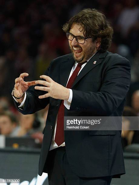 Andrea Trinchieri Head Coach of Brose Baskets Bamberg gestures during the 20152016 Turkish Airlines Euroleague Basketball Top 16 Round 8 game between...