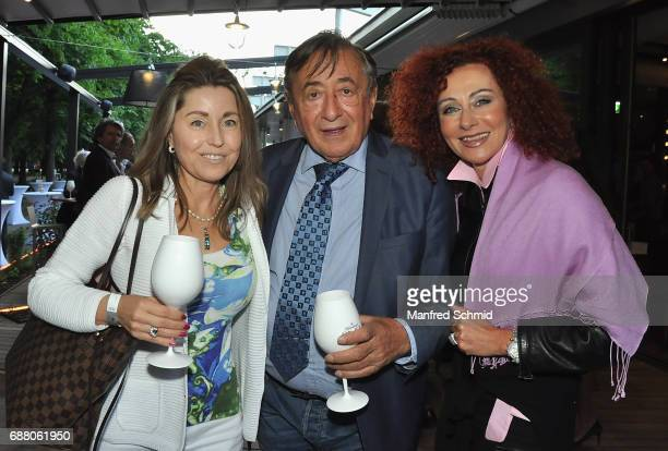 Andrea vom Badesee, Richard Lugner and Christina Lugner pose during the 'Die Allee zum Genuss' restaurant opening party on May 24, 2017 in Vienna,...