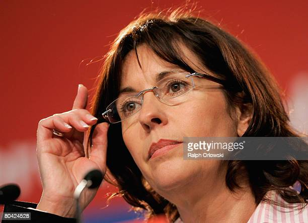 Andrea Ypsilanti Chairwoman of the Social Democratic Party Hesse speaks during an extraordinary party convention on March 29 2008 in Hanau near...