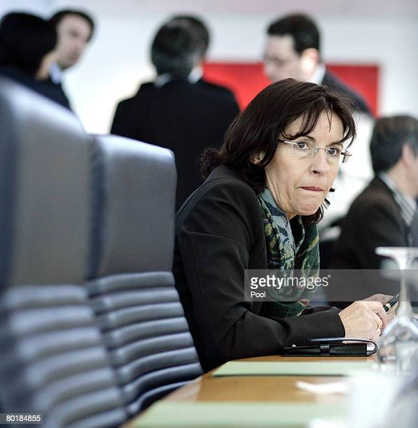 Andrea Ypsilanti Chairwoman of the Social Democratic Party of Hesse arrives for the weekly party leadership meeting on March 10 2008 in Berlin...