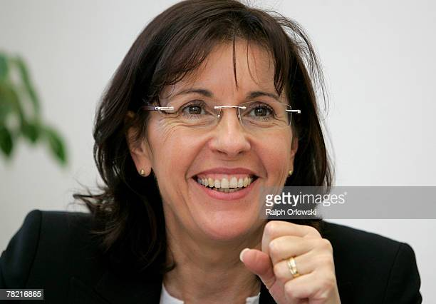Andrea Ypsilanti German Social Democrats gubernatorial candidate in the German state of Hesse smiles during a meeting at the party's headquarters...