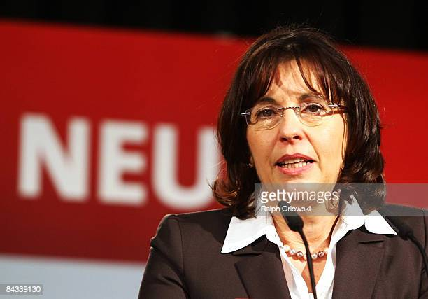 Andrea Ypsilanti head of the Social Democratic Party of the German state of Hesse speaks during the final election rally on January 17 2009 in...
