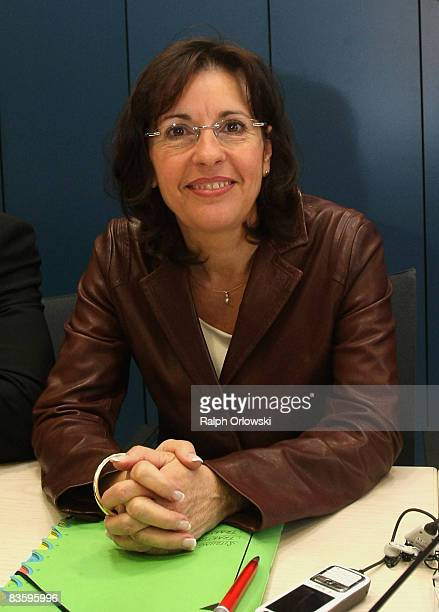 Andrea Ypsilanti head of the Social Democrats of the state of Hesse arrives for a caucus of the SPD Hesse on November 7 2008 in Wiesbaden Germany The...