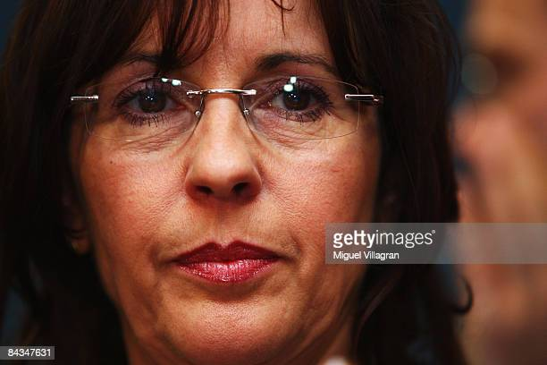 Andrea Ypsilanti of the Social Democratic Party delivers her speech to her party members during the parliamentary elections at the Landtag on January...