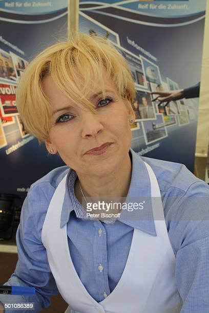 """Andrea-Kathrin Loewig aus der ARD-Arztserie """"In aller Freundschaft"""",; """"Tag der offenen Tür"""", Leipzig, Sachsen, Deutschland, Europa, Fantag,..."""
