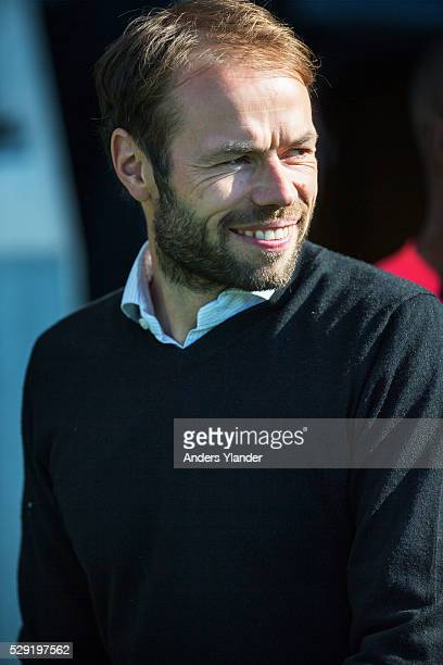 Andreas Alm head coach of AIK in action during the Allsvenskan match between BK Hacken and AIK at Bravida Arena on May 8 2016 in Gothenburg Sweden