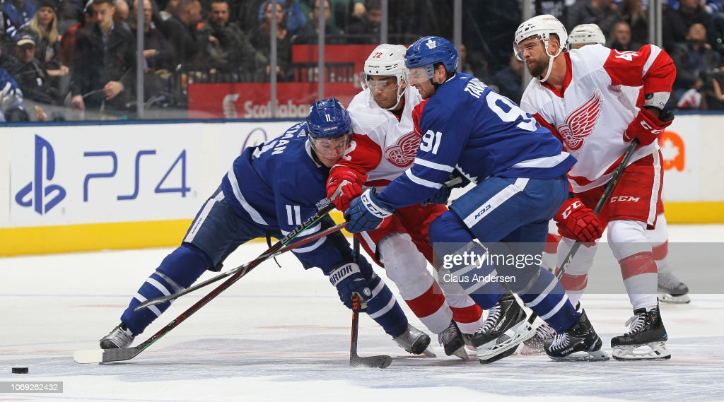 Detroit Red Wings v Toronto Maple Leafs : News Photo
