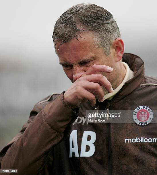 Andreas Bergmann headcoach of StPauli gestures during the match of the Third Bundesliga between FC St Pauli and Carl Zeiss Jena at the Millerntor...