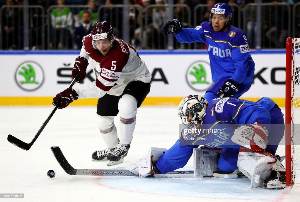 Italy v Latvia - 2017 IIHF Ice Hockey World Championship : News Photo