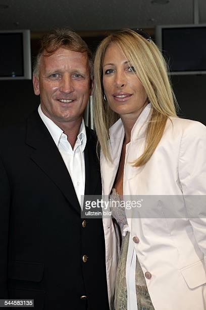 Andreas Brehme Trainer; D: mit seiner Ehefrau Pilar