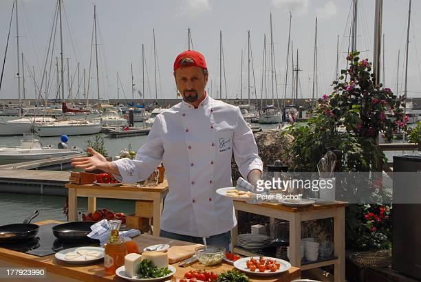 Andreas C Studer ZDFShow Die Frühlingsshow Marina Rubic—n HafenSteg Playa Blanca Insel Lanzarote Kanarische Insel Kanaren Spanien Europa Yachthafen...