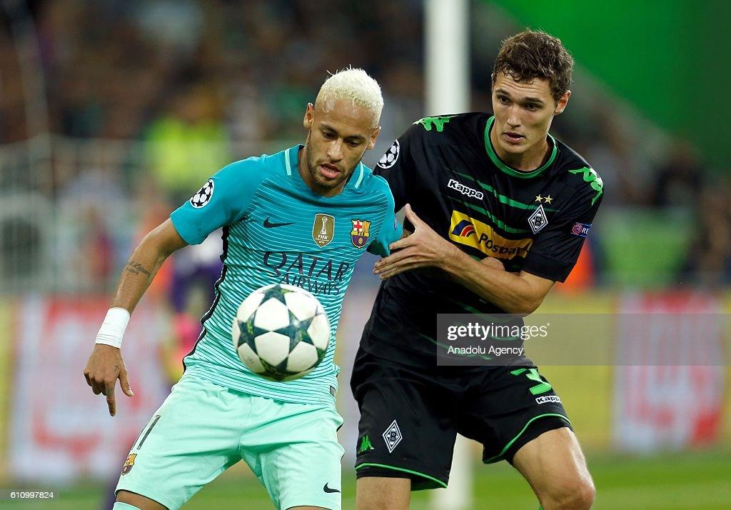 VfL Borussia Moenchengladbach v FC Barcelona - UEFA Champions League : News Photo