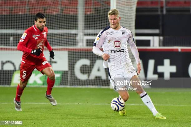 Andreas CORNELIUS of Bordeaux and Oussama HADDADI of DFCO during the French League Cup match between Dijon and Bordeaux at Stade Gaston Gerard on...