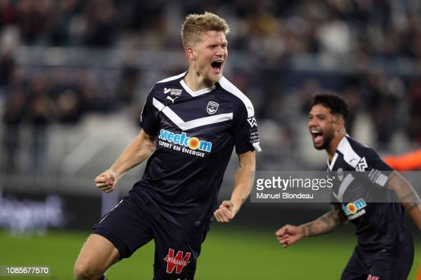 Andreas Cornelius of Bordeaux celebrates after scoring a goal during the Ligue 1 match between Bordeaux and Dijon at Stade Matmut Atlantique on...