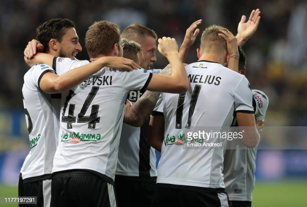 Andreas Cornelius of Parma Calcio celebrates his second goal with his teammates during the Serie A match between Parma Calcio and Genoa CFC at Stadio...