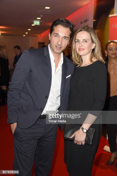 Andreas Elsholz and his wife Denise Zich attend the 'Helden des Alltags' Gala at Theater Kehrwieder on October 4 2017 in Hamburg Germany
