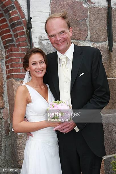 Andreas Fritzenkötter Bei Seiner Hochzeit Mit Elisabeth Fritzenkötter In Der Morsumer St Martin Kirche Auf Sylt Am 020607