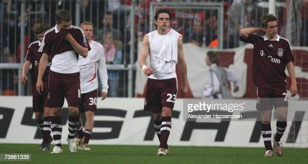 Andreas Goerlitz Lukas Podolski Christian Leel Owen Hargreaves and Philipp Lahm of Munich looking dejected after the UEFA Champions League Quarter...
