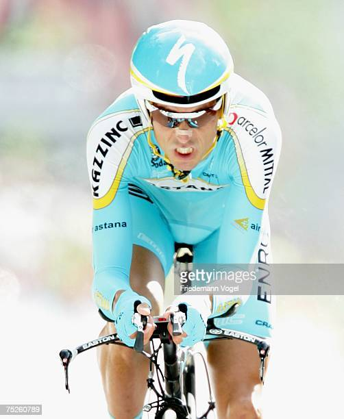 Andreas Kloeden of Germany and Team Astana in action during the prologue of the 94rd Tour de France on July 7, 2007 in London, England.
