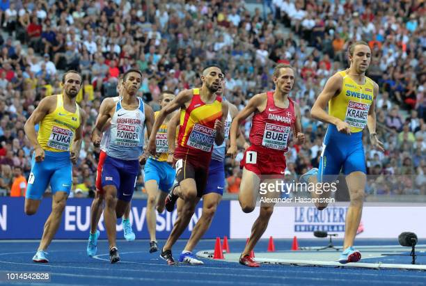 Andreas Kramer of Sweden Andreas Bube of Denmark Saul Ordonez of Spain Daniel Rowden of Great Britain and Amel Tuka of Bosnia and Herzegovina compete...
