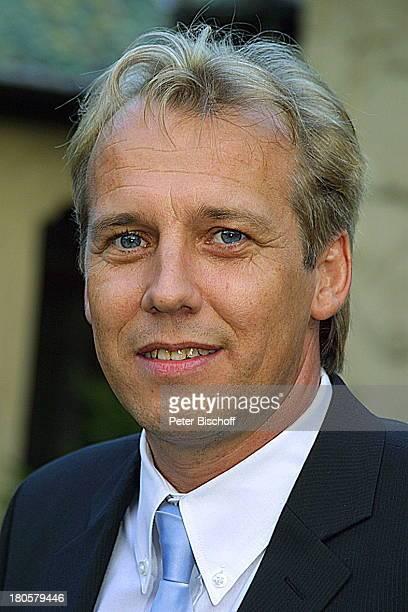 Andreas Lebbing Portrait Sänger Musiker auf der Hochzeitsfeier von Iris Remmertz und Hansjörg Criens Mönchengladbach Kaiser FriedrichHalle nach der...