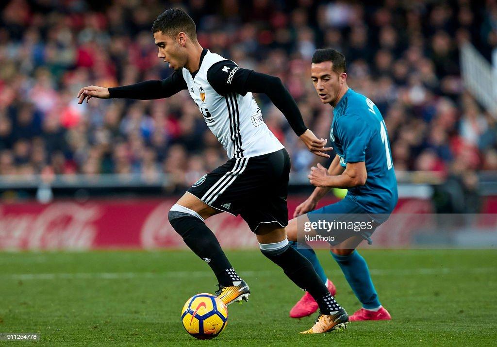 Valencia v Real Madrid - La Liga : News Photo