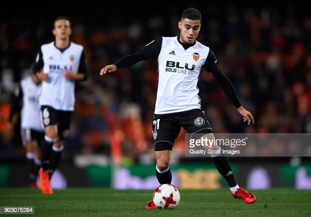 Andreas Pereira of Valencia in action during the Copa del Rey Round of 16 second Leg match between Valencia CF and UD Las Palmas on January 9 2018 in...