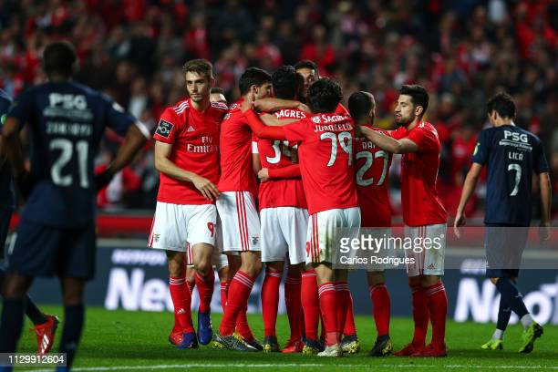 Andreas Samaris of SL Benfica celebrates scoring SL Benfica second goal with his team mates during the Liga NOS match between SL Benfica and...