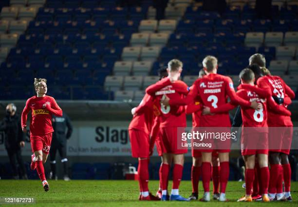 Andreas Schjelderup of FC Nordsjalland arriving to the huddle during halftime in the Danish 3F Superliga match between Lyngby Boldklub and FC...