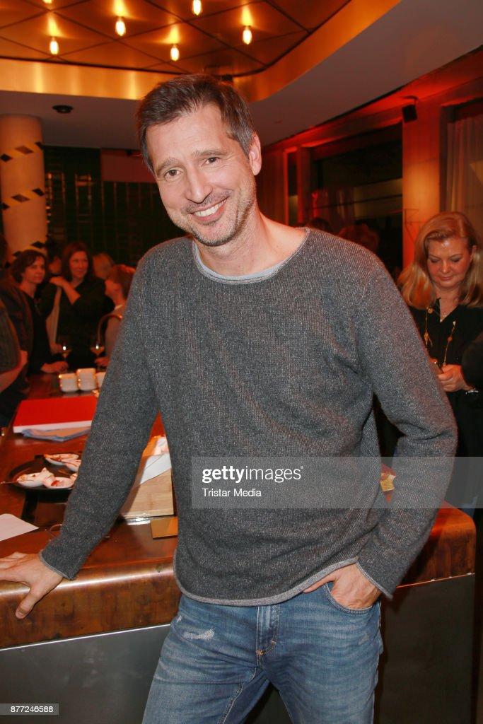 Tim Maelzer Event \'Die Gute Botschaft\' In Hamburg Photos and Images ...