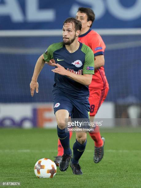 Andreas Ulmer of Red Bull Salzburg Mikel Oyarzabal of Real Sociedad during the UEFA Europa League match between Real Sociedad v Salzburg at the...