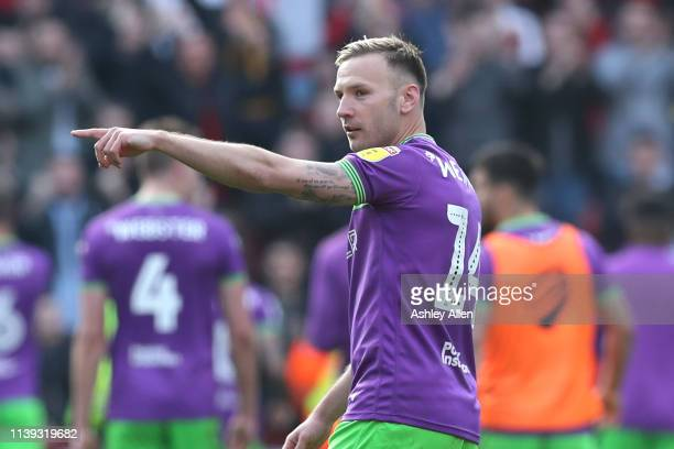 Andreas Weimann of Bristol City points to the crowd during the Sky Bet Championship match between Sheffield United and Bristol City at Bramall Lane...