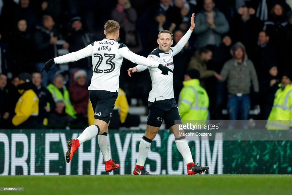Derby County v Aston Villa - Sky Bet Championship : News Photo