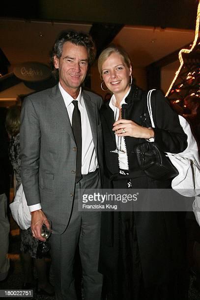 Andreas Wrede Und Julia Freifrau Von Jenisch Bei Der Hermes Shoperöffnung In Hamburg