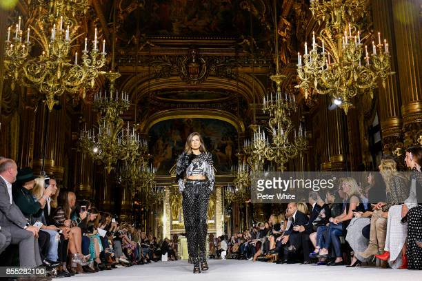 Andreea Diaconu walks the runway during the Balmain show as part of the Paris Fashion Week Womenswear Spring/Summer 2018 on September 28 2017 in...