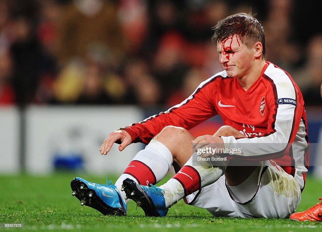 Arsenal v Standard Liege - UEFA Champions League