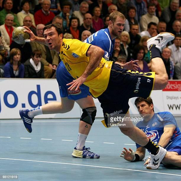 Andrei Klimovets of Rhein Neckar throws on goal during the Handball Bundesliga match between TBV Lemgo and Rhein Neckar Loewen at the Lipperlandhalle...