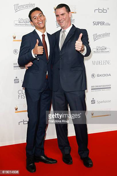 Andrej Hermlin and son David attend the Goldene Henne on October 28 2016 in Leipzig Germany