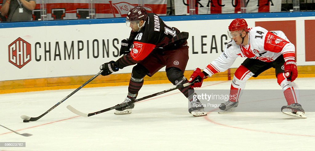 Sparta Prague v Comarch Cracovia - Champions Hockey League