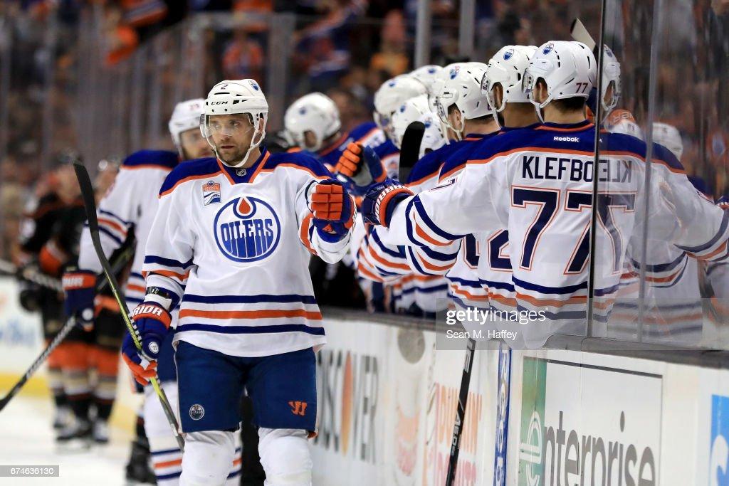 Edmonton Oilers v Anaheim Ducks - Game Two : News Photo