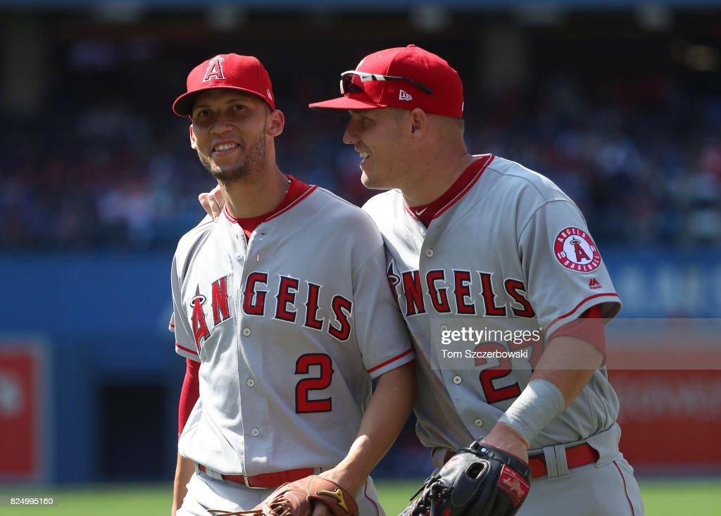 Los Angeles Angels of Anaheim v Toronto Blue Jays : Fotografía de noticias