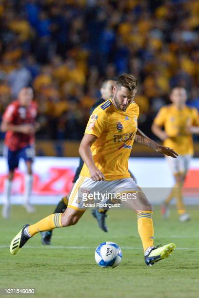 AndrePierre Gignac of Tigres drives the ball during the 6th round match between Tigres UANL and Veracruz as part of the Torneo Apertura 2018 Liga MX...