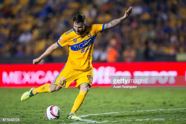 AndrePierre Gignac of Tigres kicks the ball during the 16th round match between Tigres UANL and Necaxa as part of the Torneo Apertura 2017 Liga MX at...