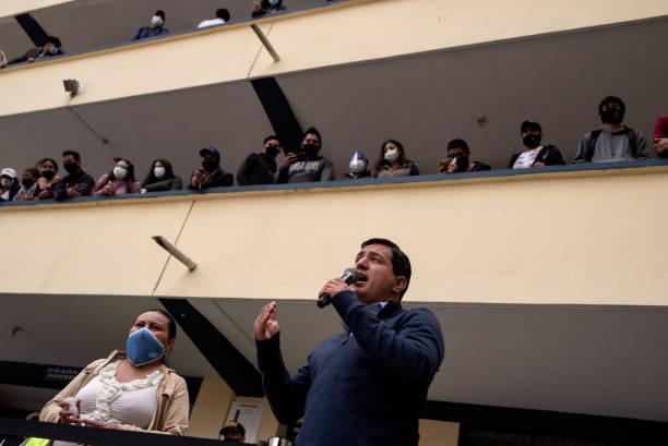 ECU: Ecuadorians Vote In Runoff Of Presidential Elections