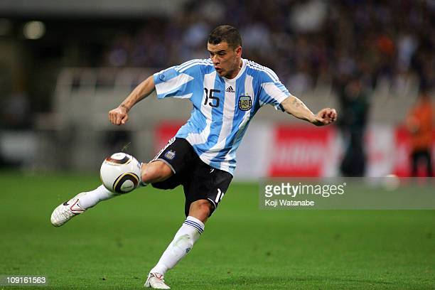 Andres D'Alessandro of Argentina in action during the international friendly match between Japan and Argentina at Saitama Stadium on October 8, 2010...