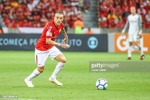Andres Dalessandro of Internacional controls the ball during the match between Internacional and Atletico PRas part of Brasileirao Series A 2018 at...