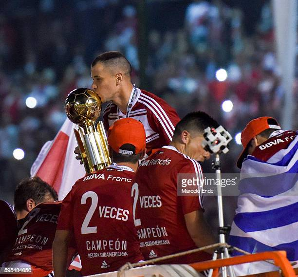 Andres D'Alessandro of River Plate kisses the trophy after winning the Recopa Sudamericana 2016 during a second leg match between River Plate and...