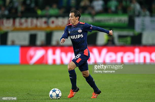 Andres Guardado of Eindhoven runs with the ball during the UEFA Champions League Group B match between VfL Wolfsburg and PSV Eindhoven at Volkswagen...